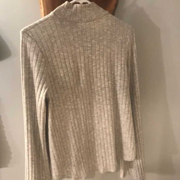 Honey Punch Sweaters - Gray turtle neck